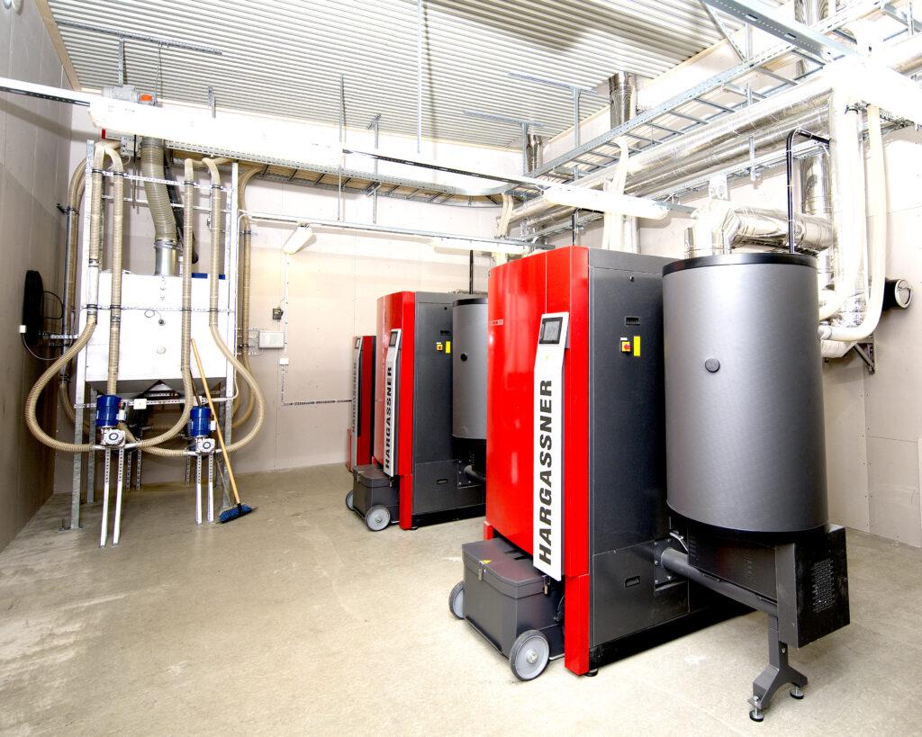 JEMT Vatten och Värme installerade pelletspannor på 700kW för miljövänlig uppvärmning på Minera Skifer AB